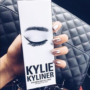 KylieCosmetics Black Kyliner Kit